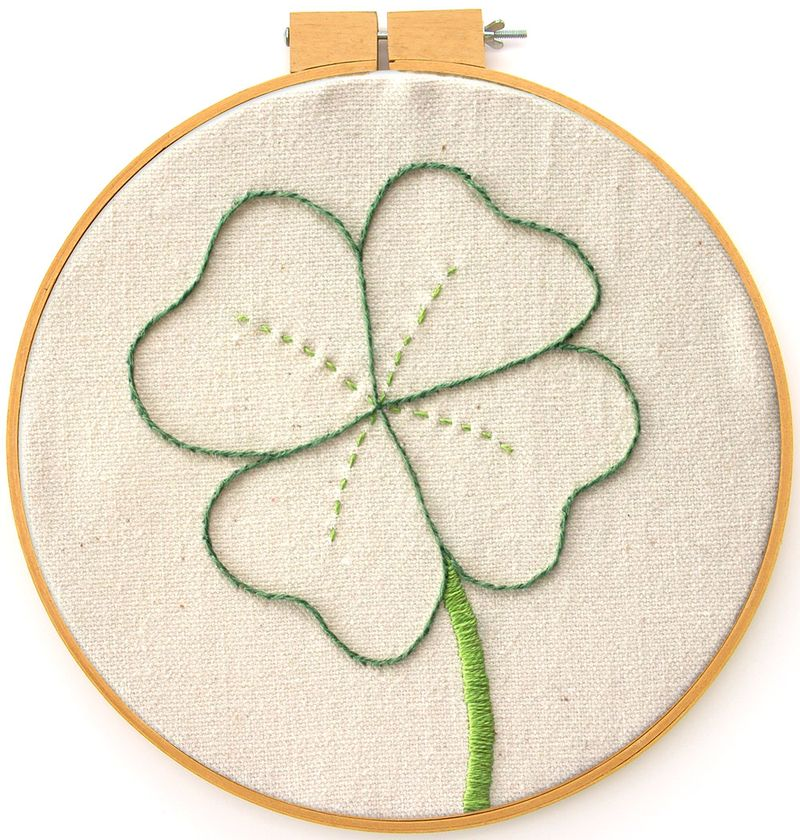 21-clover-embroidery