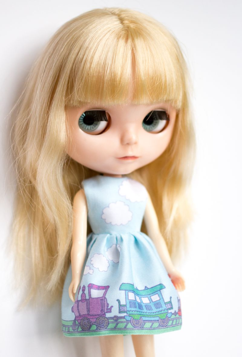 12-blythe-train-dress2