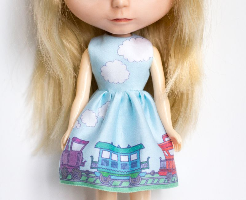 12-blythe-train-dress1