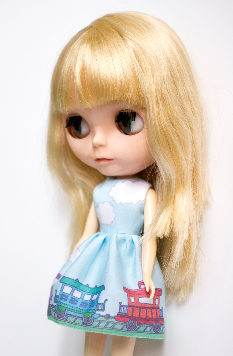 12-blythe-train-dress3
