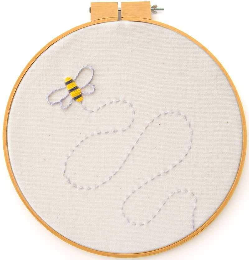 21-bee-embroidery